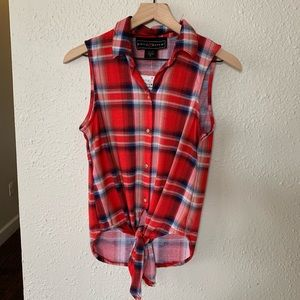 NWT Polly & Esther flannel plaid button down M